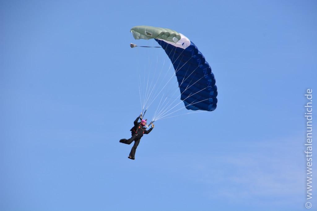 Fallschirm - Bild 01