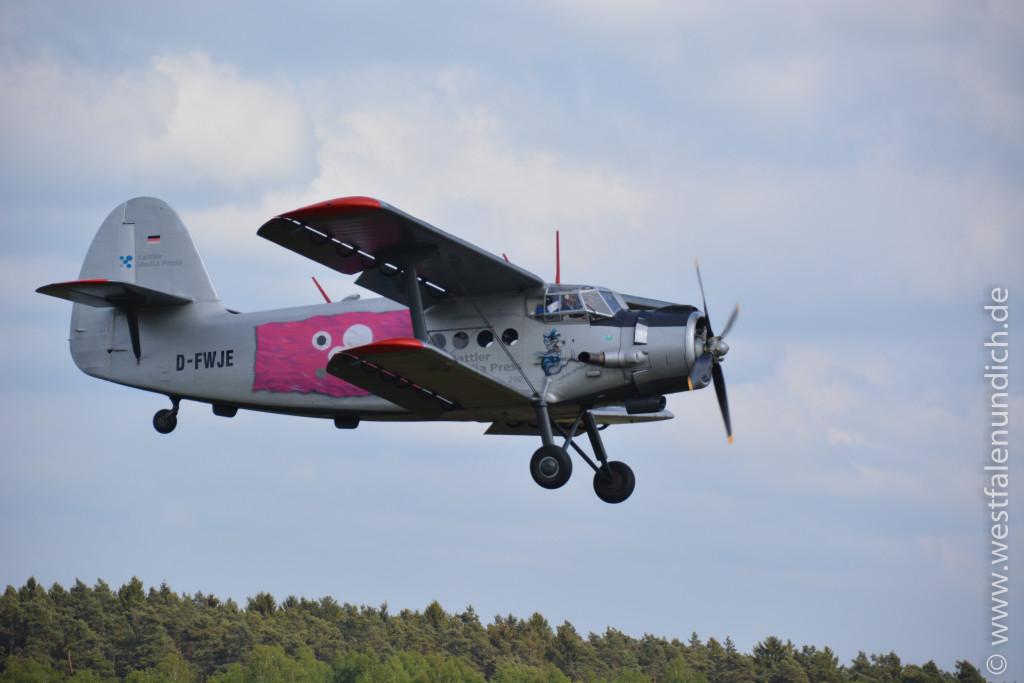 Die Antonov An-2T - Bild 01