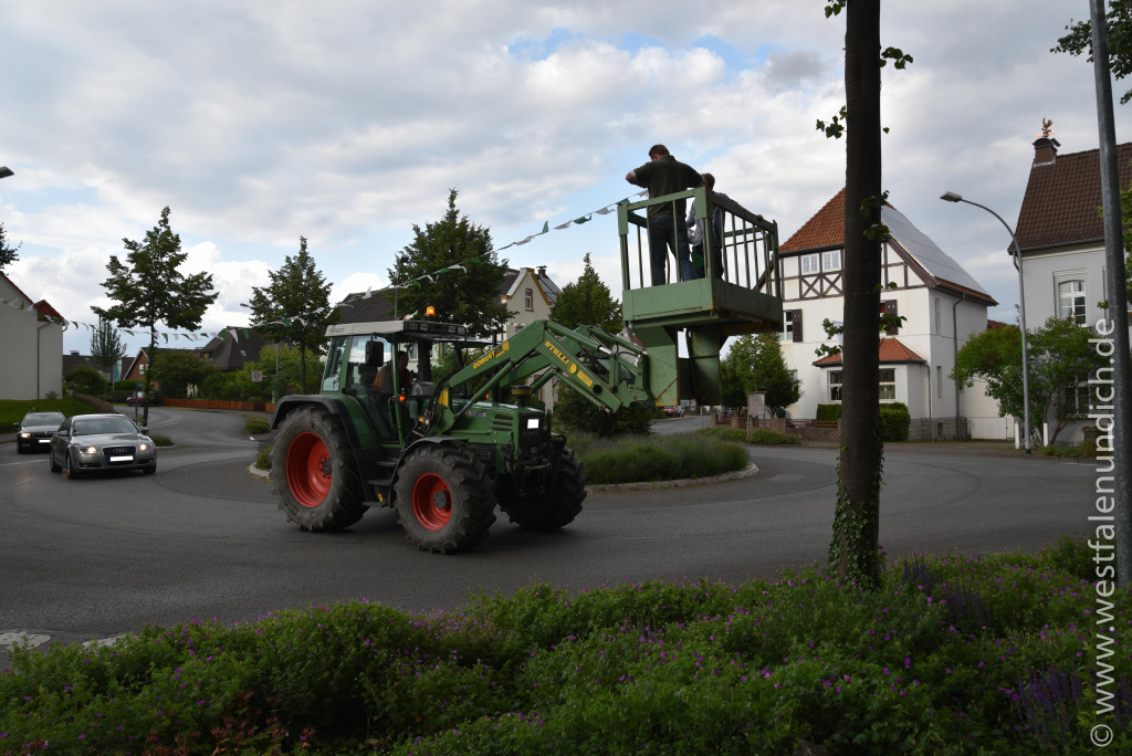 Jubiläumsschützenfest 2015 - Donnerstag - Straßen schmücken - Bild 01