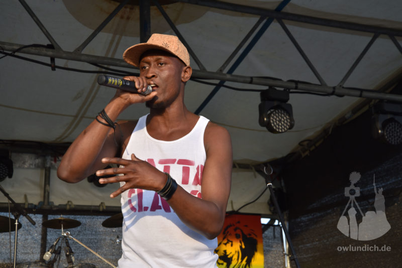 Reggae im Hanf-Feld 2015 - Singin Gold - Bild 01