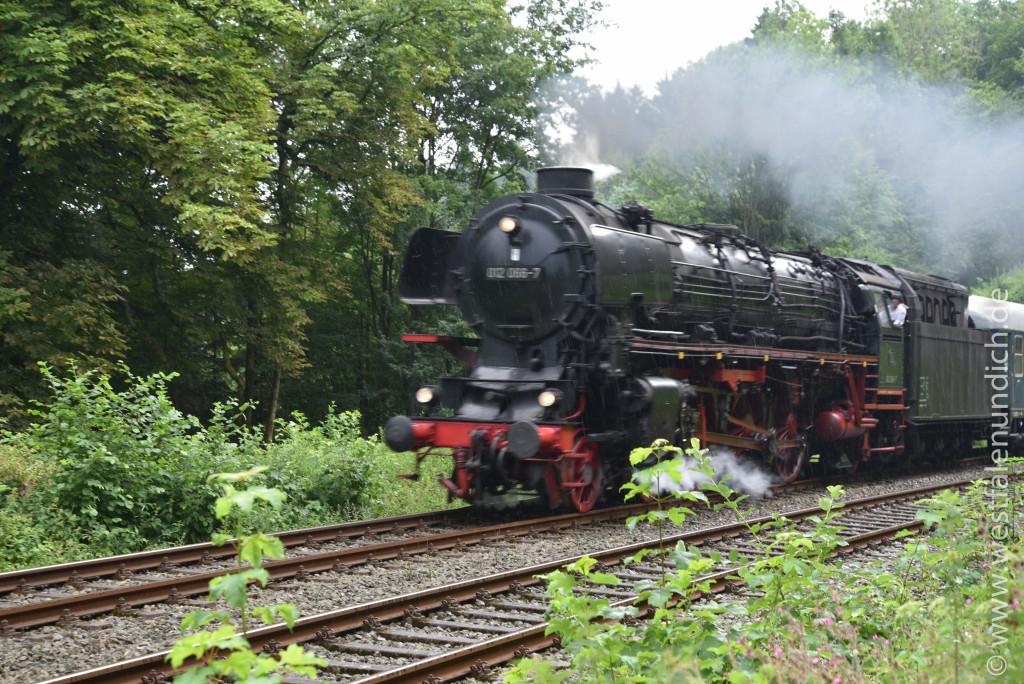 Dampflokomotive 02 066-7 - Bild 01