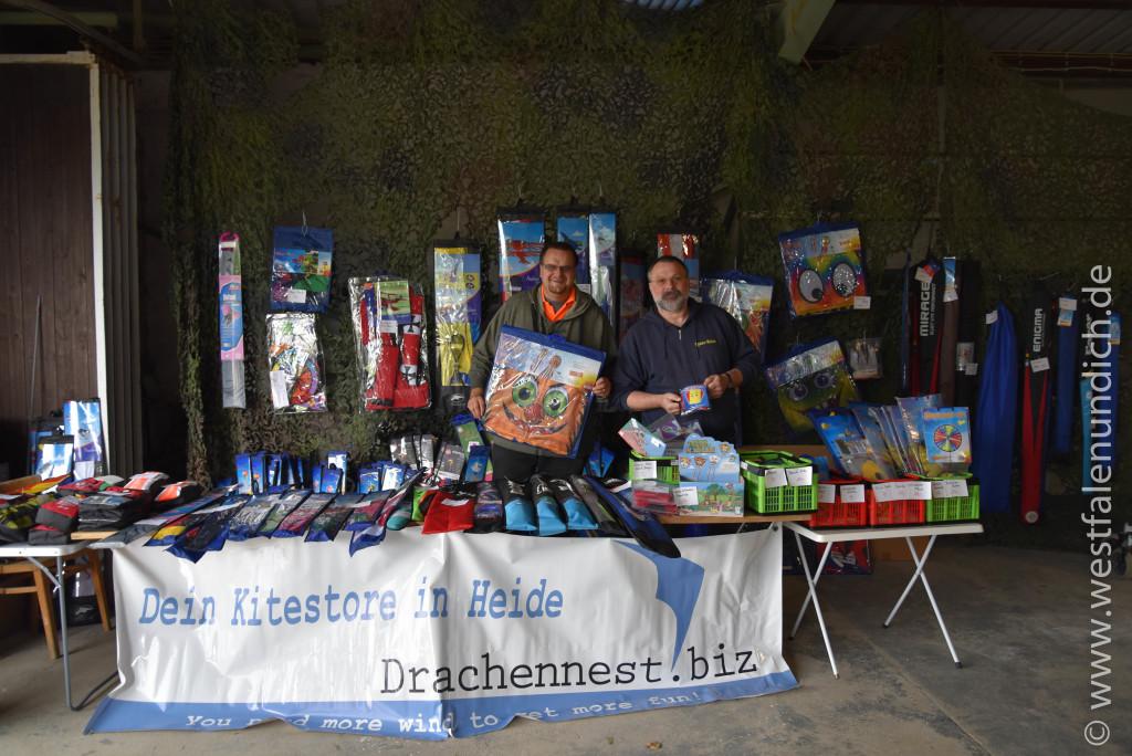 Steinheim - 2.Drachenfest Vinsebeck 2015 - Bild 19 - Kitestore Drachennest http://www.drachennest.biz/