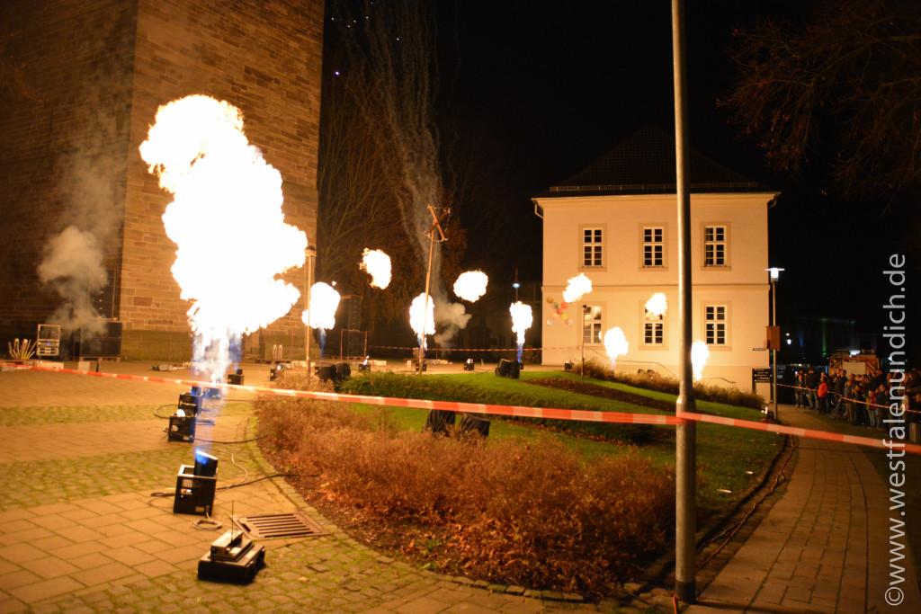 Steinheim – Reineccius-Markt 2015 - Feuershow - Bild 07 - Erstellt von Markus K. Freigeben und Nutzungsrecht erhalten für www.westfalenundich.de