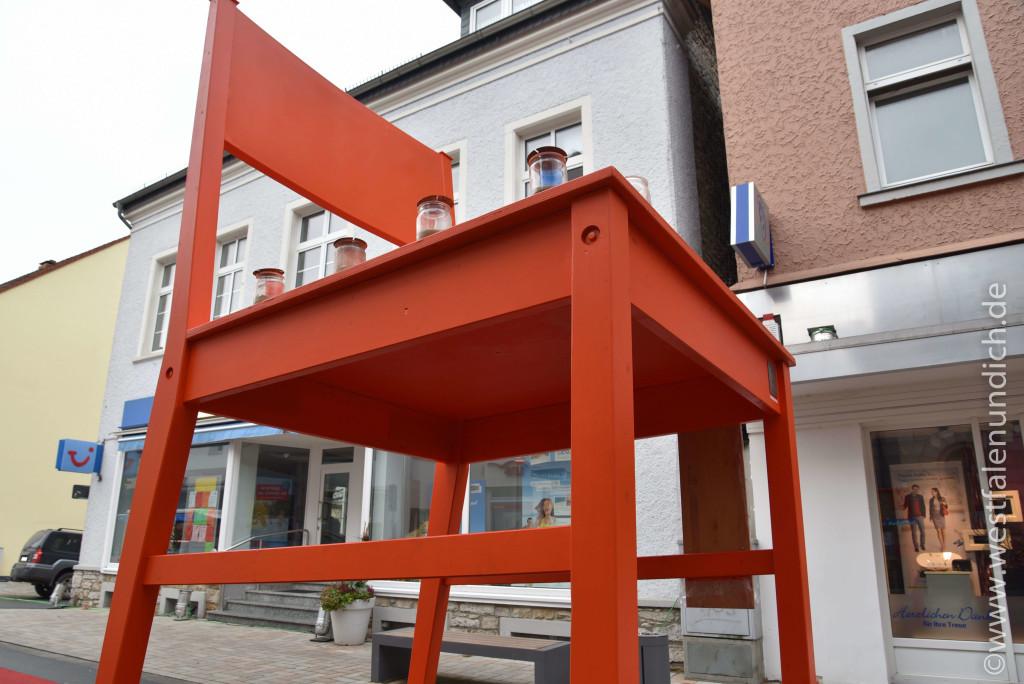 Steinheim – Reineccius-Markt 2015 - Der rote Riesenstuhl - Bild 02