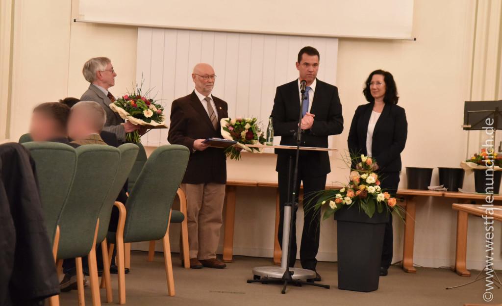 Von links: Herr Hans-Josef Schnurbusch, Herr Werner Kruck, Bürgermeister Herr Carsten Torke, Frau Elisabeth Klennert