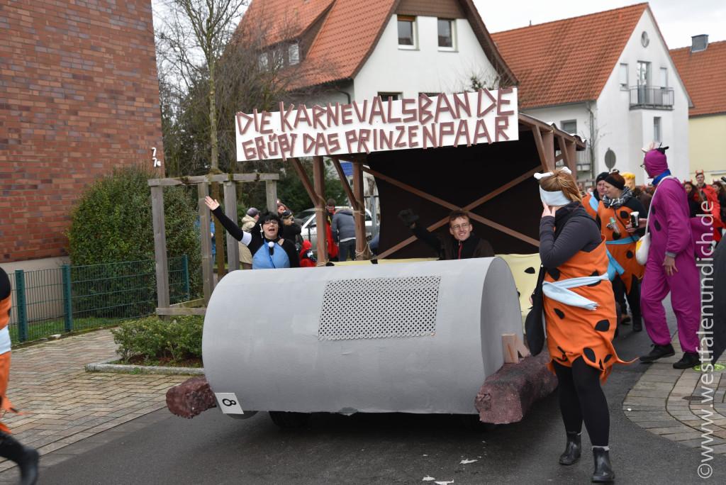 Rosenmontag 2016 – Steinheim - W8 - Flintstones Karnevalsbande Steinheim - Bild 01