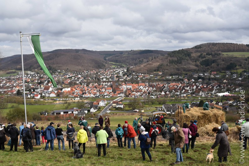 Osterräderlauf Lügde 2016 - Osterberg - Bild 12