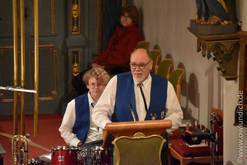 Kirchenkonzert zum Advent in Vinsebeck 2016 - Lied 06