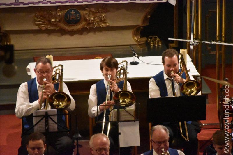 Kirchenkonzert zum Advent in Vinsebeck 2016 - Lied 04