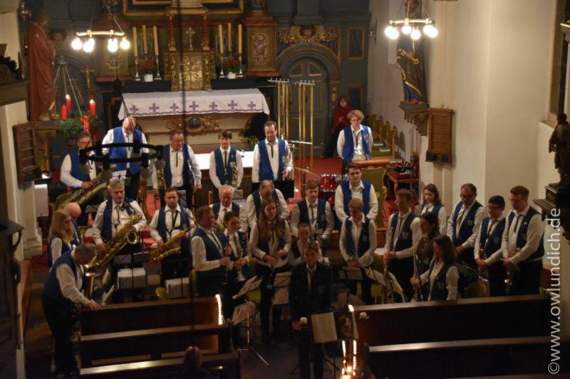 Kirchenkonzert zum Advent in Vinsebeck 2016 - Lied 03