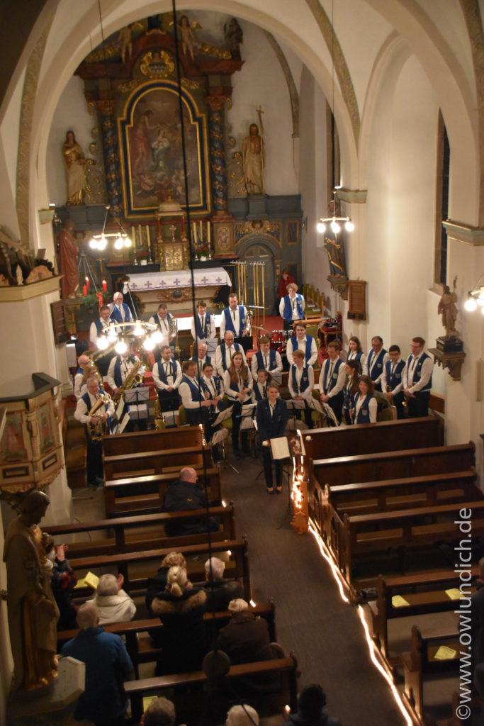 Kirchenkonzert zum Advent in Vinsebeck 2016 - Lied 02